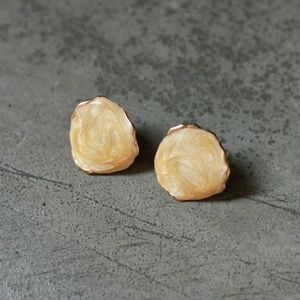 circle stud earrings, cream/white/gold